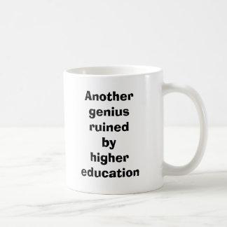 Anothergeniusruinedbyhighereducation, http://cu.. tazas de café