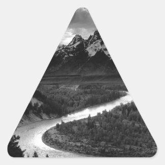 Ansel Adams el Tetons y el río Snake Pegatina Triangular
