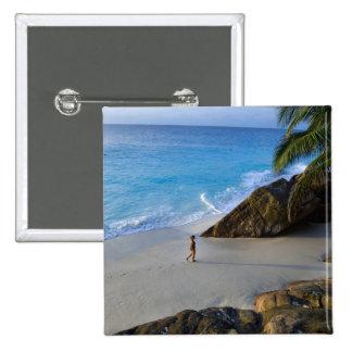 Ansi Victorin Beach, Fregate Island Button