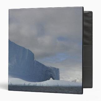 Antarctica, Bransfield Strait, Afternoon sun 2 Binder