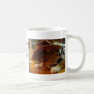 Anteado el gato de la vaquera taza clásica