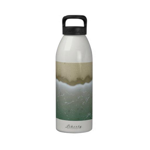 Antecedentes espumosos de las ondas. Modelo elegan Botella De Agua