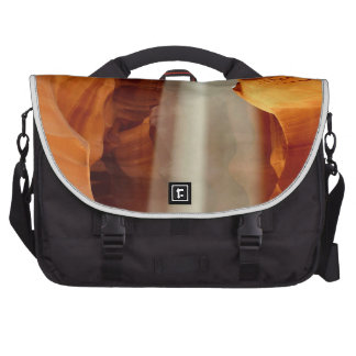 ANTELOPE CANYON 1 LAPTOP MESSENGER BAG