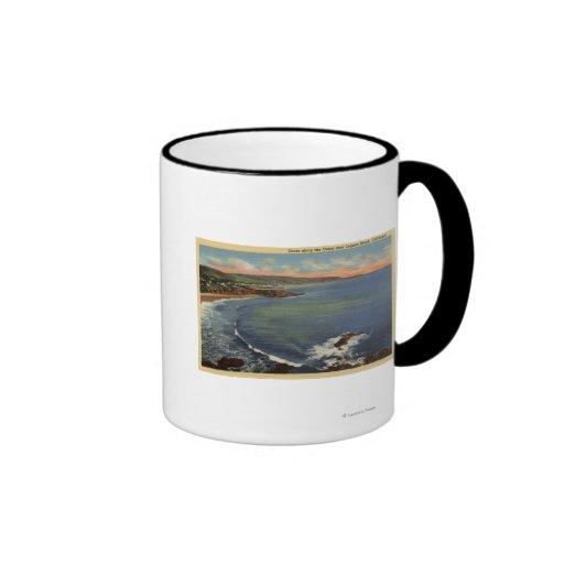 Antena de las ensenadas a lo largo de la costa tazas de café