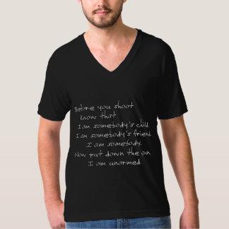 Antes de que usted tire (soy desarmado) la camisas