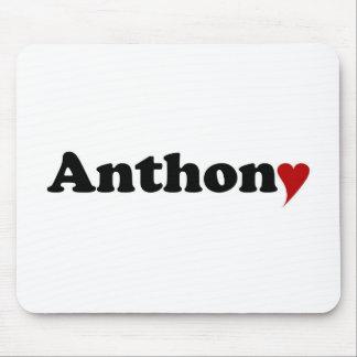 Anthony con el corazón tapete de ratones
