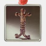 Anthropoid sword hilt metal ornament