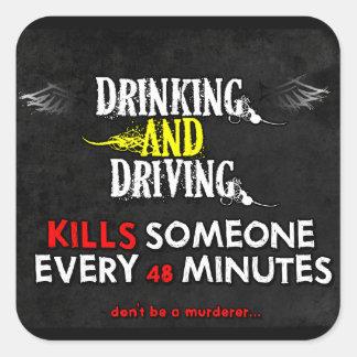 Anti-Bebiendo y conduciendo a los pegatinas Pegatina Cuadrada