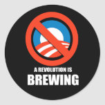Anti-Obama - una revolución está elaborando Pegatina Redonda