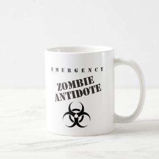 Antídoto del zombi de la emergencia taza