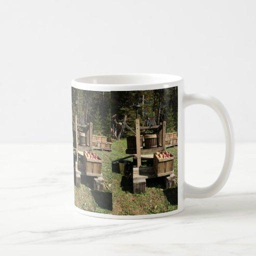 antique apple cider press coffee mug zazzle. Black Bedroom Furniture Sets. Home Design Ideas