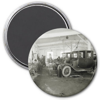 Antique Car Repair Garage, early 1900s 3 Inch Round Magnet