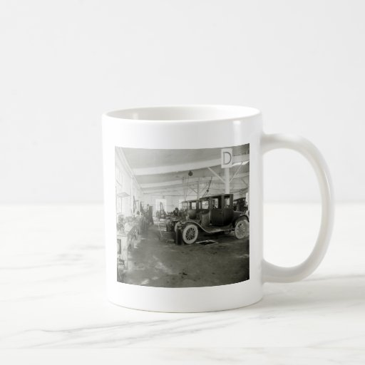 Antique Car Repair Garage, early 1900s Coffee Mug