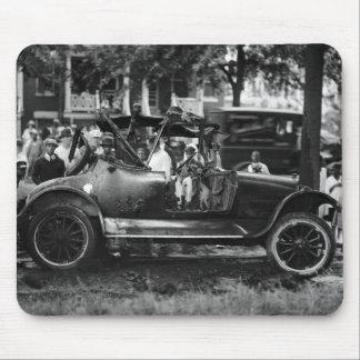 Antique Car Wreck: 1922 Mouse Pad