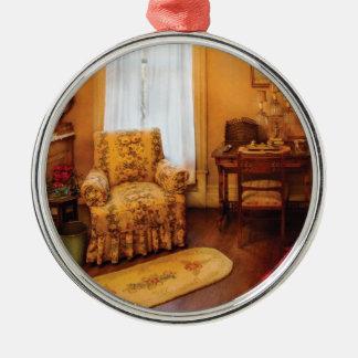 Antique - Chair - Living room Retirement Metal Ornament