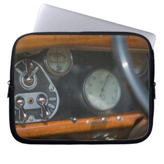 antique jaguar 2 laptop sleeves