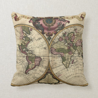 Antique World Map by Guillaume de L'Isle, 1720 Throw Pillow