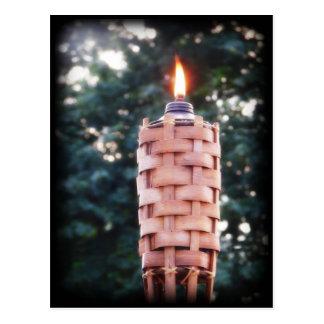 Antorcha de Tiki - antorcha al aire libre de bambú Postal