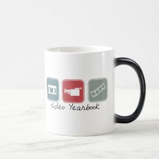 Anuario video (cuadrados) taza