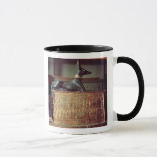Anubis, dios egipcio de los muertos taza