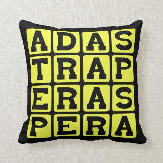 Anuncio Astra por Aspera, con dificultades al éxit Almohada