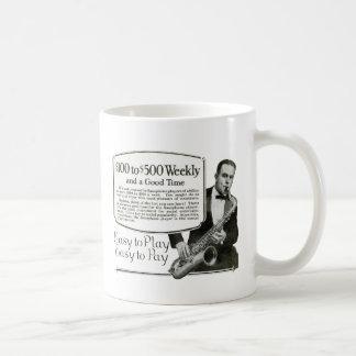 Anuncio del vintage del saxofón taza básica blanca