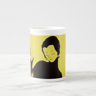 Anuncio negro chartreuse de la vigilia de la tela  taza de porcelana