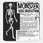 Anuncio retro del esqueleto del tamaño de Moster d Etiqueta