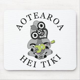 Aotearoa Hei Tiki with green ukulele Mouse Pad