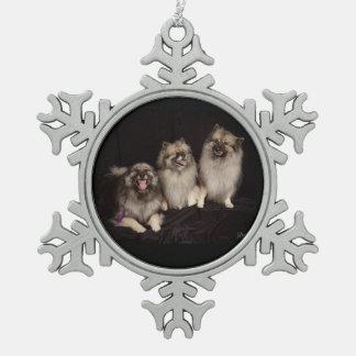 Apache dice un ornamento del copo de nieve del adorno de peltre en forma de copo de nieve