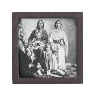 Apache principal Antonio Maria con su familia, 189 Cajas De Joyas De Calidad