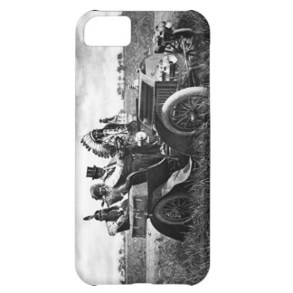 APACHES AND GERONIMO DRIVING A MOTOR CAR COVER FOR iPhone 5C