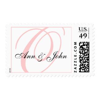 Apellido O inicial más el sello rosado blanco de