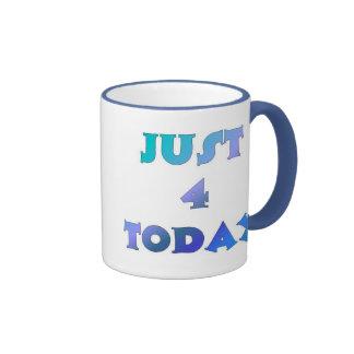 Apenas 4 hoy taza de dos colores