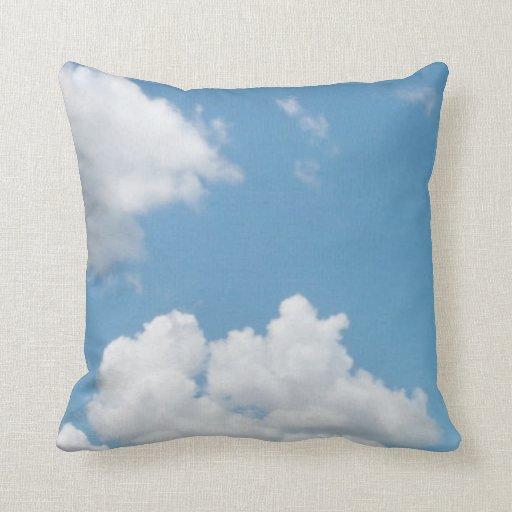 Apenas almohada 2 de las nubes
