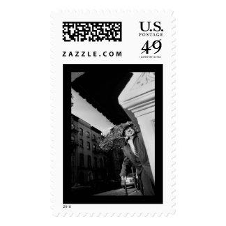Apenas alrededor de la esquina. sellos postales