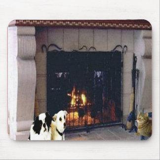 Apenas amigos alrededor de la chimenea, mousepad alfombrillas de ratón