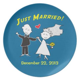 Apenas boda casado plato para fiesta