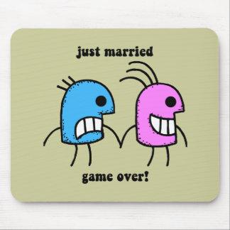 apenas casado alfombrillas de ratones