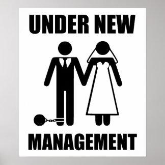 Apenas casado, bajo nueva gestión póster