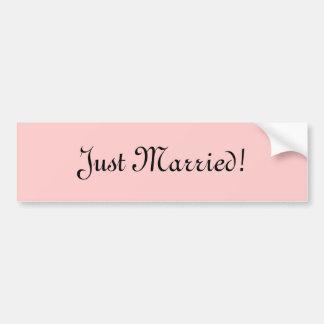 ¡Apenas casado! Etiqueta De Parachoque