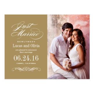 Apenas casado casando el oro antiguo de las invita tarjetas postales