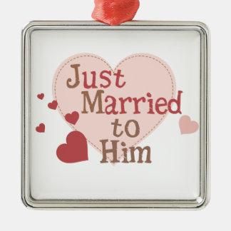 Apenas casado con él adorno cuadrado plateado