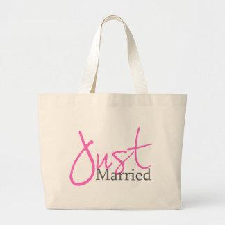 Apenas casado escritura rosada bolsas