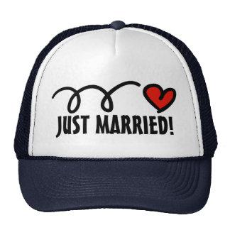 ¡Apenas casado! gorras con diseño divertido del co