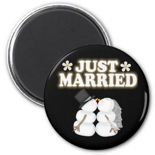 Apenas casado imán de frigorifico