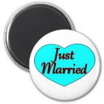 Apenas casado imanes de nevera