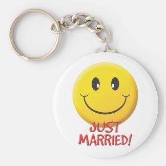 Apenas casado llavero personalizado