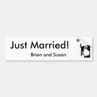 ¡Apenas casado! Plantilla de la pegatina para el p Pegatina De Parachoque
