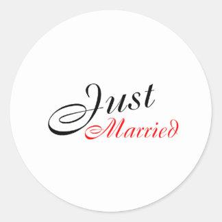 Apenas casado rojo etiqueta